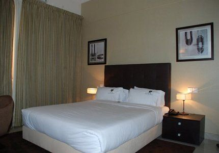 Royal-Plaza-Hotel-5
